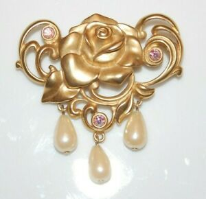 BEAUTIFUL AVON GOLD TONED ROSE FLOWER WITH FAUX PEARLS AND STONES PIN OR BROOCH