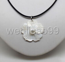 Beautiful Natural White Freshwater Mother Of Pearl Shell Flower Pendant Necklace