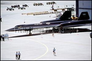 USAF Lockheed SR-71 Blackbird Beale AFB 1981 8x12 Aircraft Plane Photos