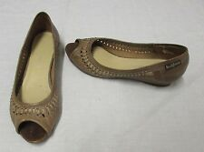 "Russell & Bromley Women's 100% Leather Flat (less than 0.5"") Shoes"