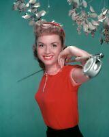DEBBIE REYNOLDS LEGENDARY ACTRESS - 8X10 PUBLICITY PHOTO (ZY-695)