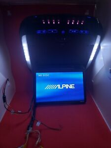 Old School Alpine PKG-RSE2 DVD Player With 2 Wireless Headsets