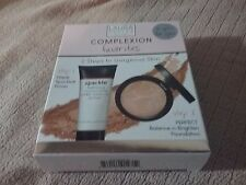 Laura Gellar Complexion Favorites 2 piece boxed set in Medium