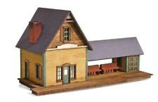 MicroTrains 49990928 N Laser-Cut Wood Passenger Station Kit