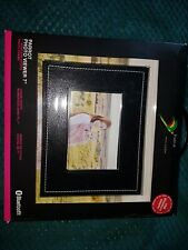 "Parrot Digital Photo Frame 7"": USB & Bluetooth - Black Buffalo Design"