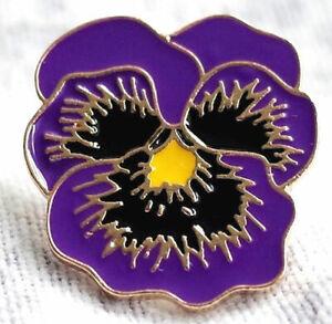 2020  THE ANIMALS OF WAR New BEAUTIFUL Purple Flower Poppy Day Badge