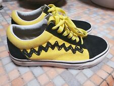 Vans x peanuts old skool charlie brown Collectible LIMITED Edition Boys size 4