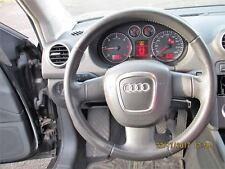 Audi A3 8P 8P1  sehr gutes Lederlenkrad Sportlenkrad Leder gelocht Airbaglenkrad