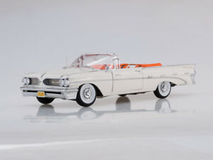 Scale model 1/18 1959 Pontiac Bonneville Open Convertible (Cameo Ivory)