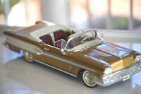 1958 PONTIAC BONNEVILLE CONVERTIBLE Die Cast Metal 1/18 scale
