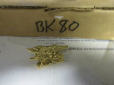 [BK80] pin back Armed Forces eagle spear & gun, gold tone, new never used