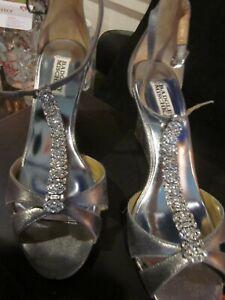 BADGLEY MISCHKA ROMANCE WEDGE JEWELED BRIDAL SHOES AND SHOE BAG SIZE 9 WORN ONCE