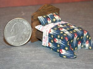 Dollhouse Miniature Bed Stars 1:48 Quarter inch scale 1/4 Y17 Dollys Gallery