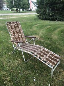 Vintage Aluminum Lounge Chaise Lawn Pool Folding Chair Tan Beige Brown
