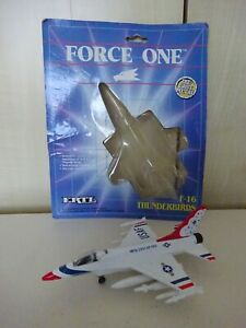 ERTL FORCE ONE F16 THUNDERBIRDS FIGHTING FALCON OPEN CARD MINT MODEL SEE PHOTOS