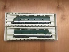 Ho Vintage Rivarossi Locomotive & Unpowered GM EMD E-8 Southern Selling As-Is