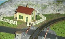 Jouef HO MAQUETTEmaison garde barrières TBE peinte et décorée
