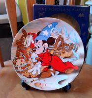FANtASIA MICKEY MOUSE CARTOON CLASSICS PORCELAIN PLATE KENLEY'S BOXED & STAND