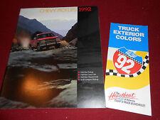 1992 CHEVROLET C/K, S-10 PICKUP TRUCK BROCHURE CATALOG + CHEVY PAINT COLOR CHIPS