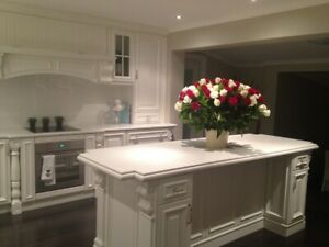 French Provincial style Kitchen - Traditional country farmhouse kitchen