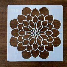Fleurs pochoir 130 mm x 130 mm