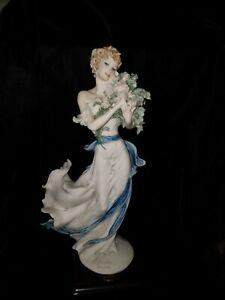 "Giuseppe Armani Members Only BELLE 2002  Figurine 1528C  original box  13"""
