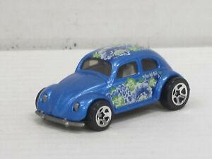 "VW Käfer in blaumetallic + Dekor ""Olas del Sol"", ohne OVP, Hot Wheels, ca. 1:64"