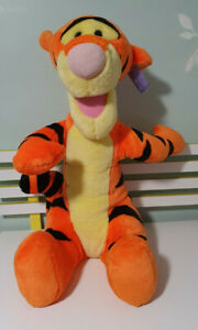 TIGGER PLUSH TOY WINNIE THE POOH CHARACTER TOY 70CM FISHER PRICE 2003