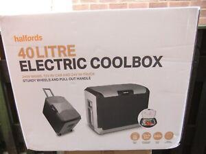 Halfords 12 Volt & Mains 240 Volt Portable Electric Cool Box 40 Litres Boxed