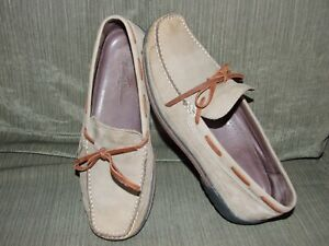 MENS TOMMY BAHAMA LOAFERS SZ. 9