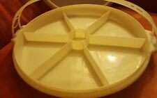 Tupperware Pie Divided Veggies Snack Serving Tray White With Clear Lid & Handle