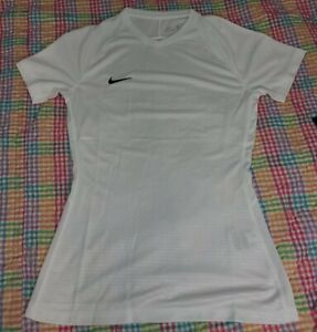 Women's Small Nike Dri-fit White V neck breathable Short Sleeve T shirt  NWT