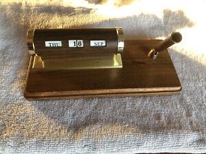 Vintage wooden desk pen holder with perpetual calendar
