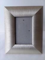 """Light Gold Tone Ribbed Metal Picture Photo Frame 3 1/2"""" x 5 1/2"""""""