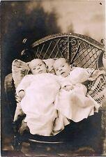 TWIN BABIES LYING IN WICKER CHAIR & ORIGINAL VINTAGE PHOTO