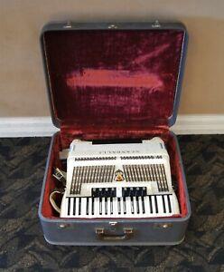 Vintage Scandalli Italian Piano Accordion Model M 643/68 WORKS w/ Case C3072
