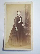 St. Gallen - stehende Frau im Kleid - Portrait / CDV