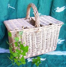 Basket a Lid in Wicker / 31,5 cm x 17 CM