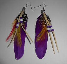 Boucles d'oreilles pendantes Plume Violette Perles et Lanières Daim  BO0189