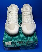 RARE🔥 Nike Kyrie 3 III White Metallic Chrome Sz 9.5 852395-103 Men's Basketball