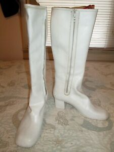 Vintage White GO GO BOOTS 1960's 70's Zipper, Disco Dancer Hippie, Waterproof, 7