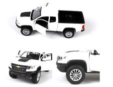 1/27 Maisto 2017 Chevrolet Colorado ZR2 Diecast Allory White Truck Model Toys