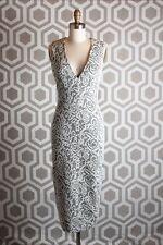 NWT Alice & Olivia Lilia V Neck Fitted Dress Midi 2 Black Cream $367