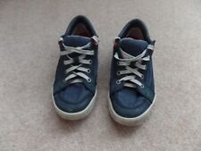 BOYS TIMBERLAND SHOES TRAINERS SIZE 4.5 UK IN NAVY COLOUR STYLISH