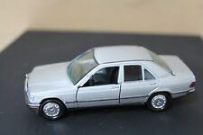 MB Mercedes Benz 190E 1:43 GAMA 1167