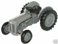Oxford 76TEA001 Ferguson Tractor Grey 1/76 Scale = 00 Gauge New in Case T48 Post