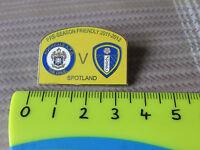 ROCHDALE Spotland v LEEDS United 2011 - 2012 Friendly Match FOOTBALL Pin Badge