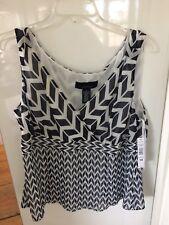 Jones Wear 100% Polyester Black / White Sleeveless Blouse Women's Size 18 NWT