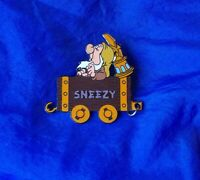Disney Collector Pin Snow White & the Seven Dwarfs SNEEZY  in Mine Car 2001 HTF