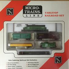 Burlington Northern Atlas GP30 #2248 N Scale Micro-Trains Table Top Set NIB